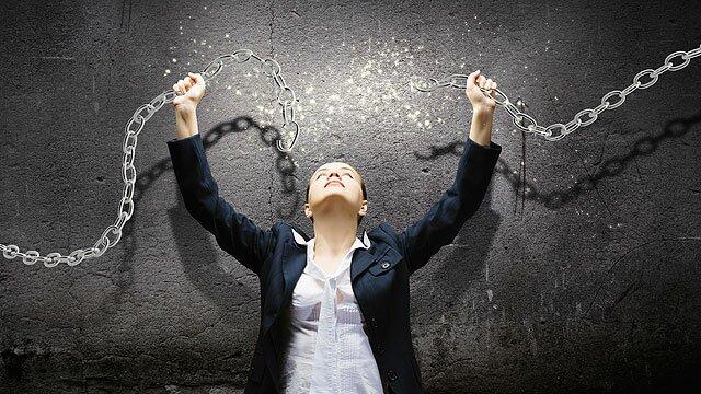 vrijheid en verbroken ketenen